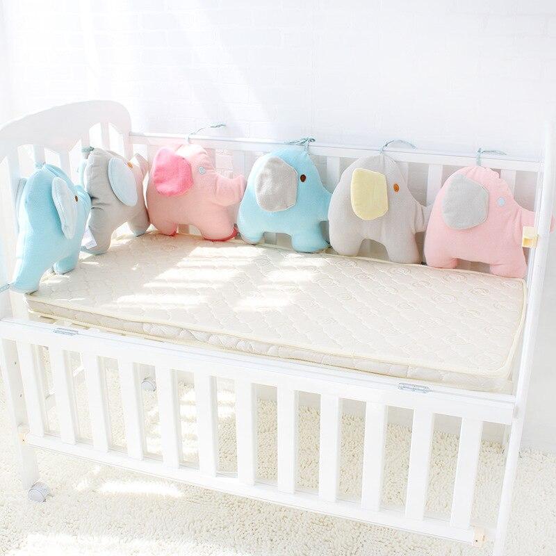 Un ensemble de lit de bébé éléphant 6 pièces pare-chocs de lit d'enfants pour les nouveau-nés