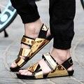 Nova chegada 2017 sandálias masculinas de verão homens sapatos de couro de ouro do dedo do pé aberto sandálias chinelos moda casual praia sandálias gladiador