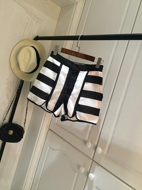 2015 estilos de verano clásico negro y blanco a rayas de algodón de las mujeres de la raya los cortocircuitos ocasionales