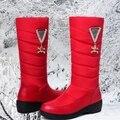 2016 invierno nuevas botas de fondo grueso antideslizante botas de nieve impermeables botas de plumas mujeres de alta botas planas calientes yardas grandes