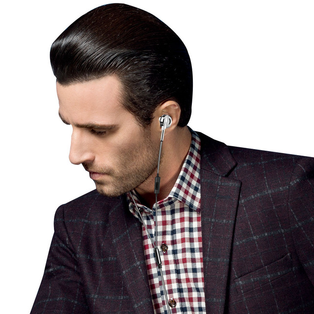 Minimalistic PTM DS5 In-Ear Headphones 4