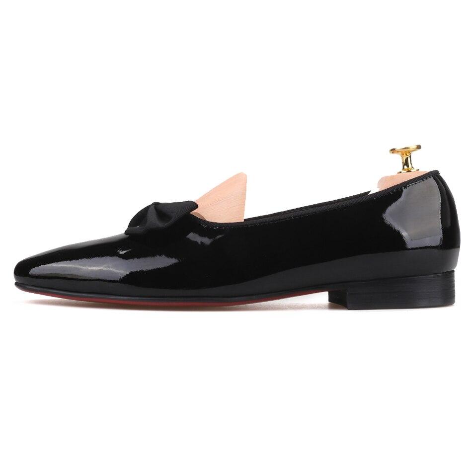 Piergitar 2019 Handgemaakte mannen lakschoenen met nieuwe boog knoop Mode mannen loafers rode onderkant mannen casual schoenen plus size-in Casual schoenen voor Mannen van Schoenen op  Groep 2