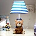 Детская Комната Капитан Медведь Современные Настольная Лампа Дети Деревянный Стол Лампа E14 110 В-220 В Светодиодная Лампа Для Чтения Кнопка включения Исследование Лампы
