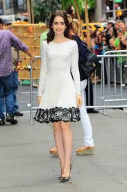 Белое Атласное Платье До Колена с глубоким вырезом для выпускного вечера, а-силуэт, черное кружевное платье с длинными рукавами для свадебной вечеринки, изготовленное на заказ