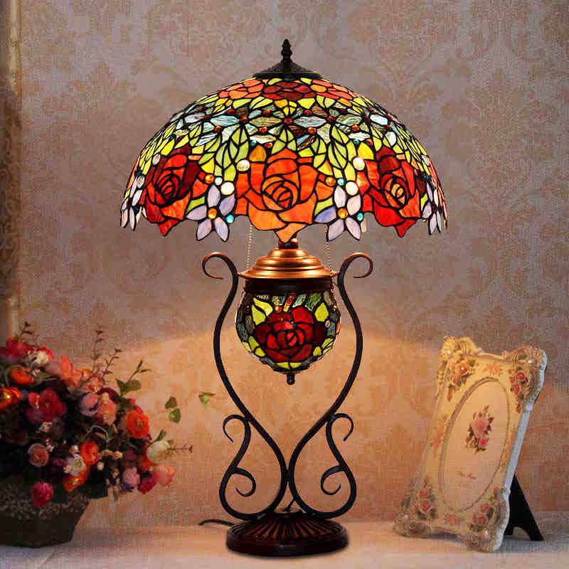 Butterfly Tiffany Lamp Antique Table European Style Garden Art Glass Stained Lamps Bedroom Living