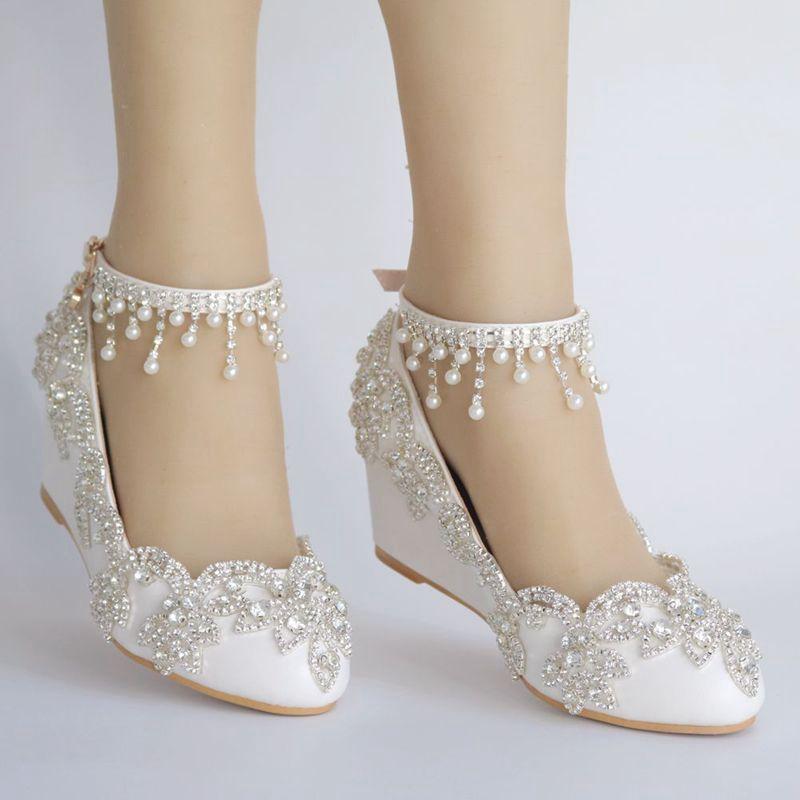 الفاخرة الكريستال 5 cm أسافين كعب إمرأة الزفاف أحذية العروس NQ168 الكاحل الأشرطة السيدات الزفاف الأبيض مثبتة الكعب حزب مضخات-في أحذية نسائية من أحذية على  مجموعة 1