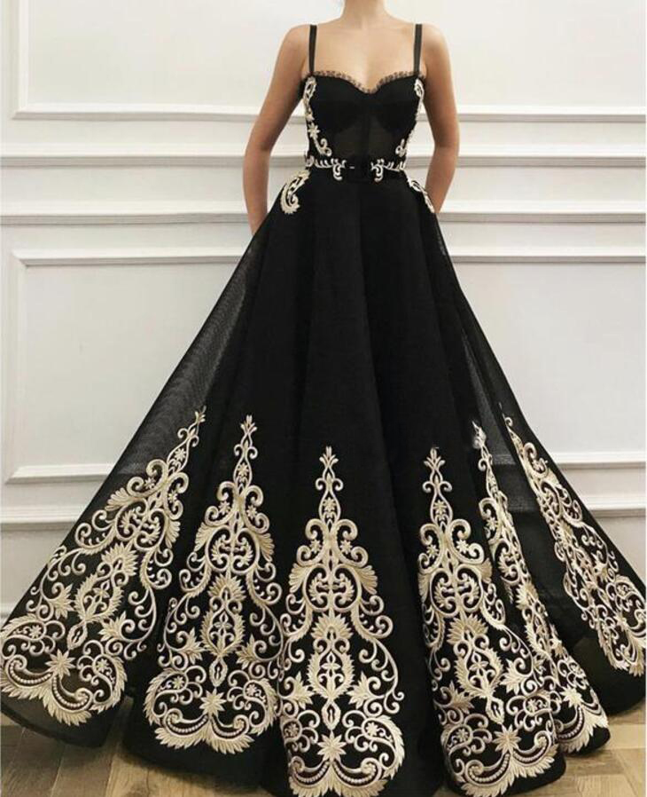 New 2019 Ivory Appliqued Long Evening Dresses Spaghetti Black Tulle Formal Party Gowns Arabic Prom Dress Custom Robe De Soirée