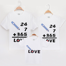 2019 New Arrival T-Shirt Family Tee Shirts Match 365 Days Of Love 100% Cotton Matching Mother Daughter Clothes Father Son Outfit