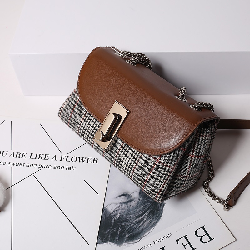 New plaid leather handbag One-shoulder cross body chain lock small party bag simple all match leather bagNew plaid leather handbag One-shoulder cross body chain lock small party bag simple all match leather bag