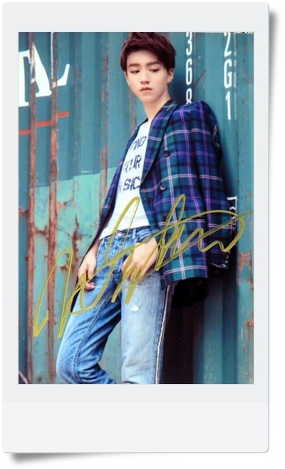 signed TFBOYS Karry autographed original photo  6 inches free shipping 5 vesions 09201701 signed tfboys jackson autographed photo 6 inches freeshipping 6 versions 082017 b