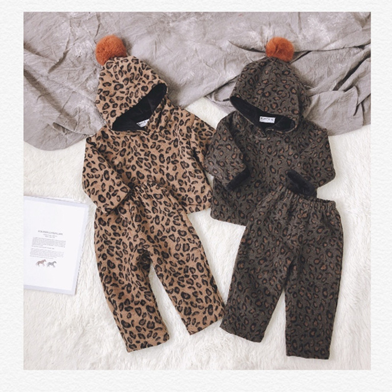 цена на Kids clothes set hooded sweatshirt +pants fleece Leopard Print thicken warm clothing set