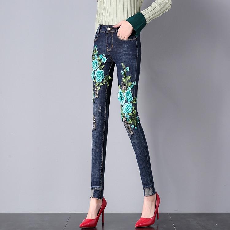 Vintage Floral Embroidery High Waist Jeans Woman Pocket Ripped Denim Pencil Pants Women Blue Hole Casual Pants Capris Big Size