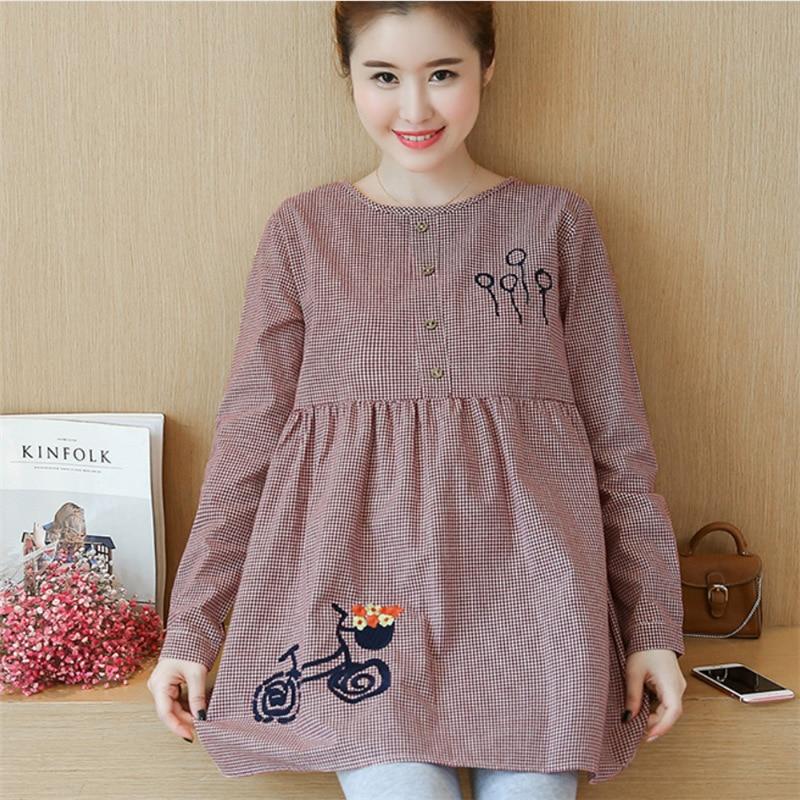 цены на 2018 Spring Korean Pregnancy Women Fashion Loose O Neck Embroidery Plus Size Plaid Blouse Tees Maternity Cotton Shirts Pregnant в интернет-магазинах