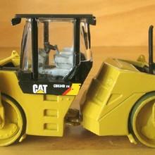 Литая игрушка модель DM 1:50 гусеница кошка CB-534D XW асфальтовый каток роликовая Инженерная техника 55132 для подарка, украшения