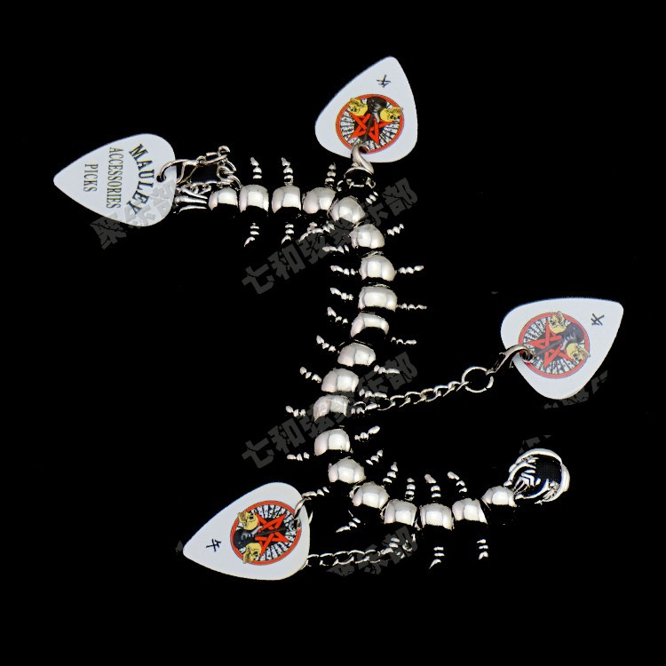 B4 High Quality Thin about 0.5mm Stainless Steel Acoustic Electric Guitar Picks Centipede musical instrument parts Wholesale high quality electric guitar neck bullet truss rod adjustmrnt guitar parts wholesale