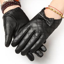 Autumn/ Winter Short Warm Real Leather Gloves Female Driving Locomotive Thin Goatskin 1411