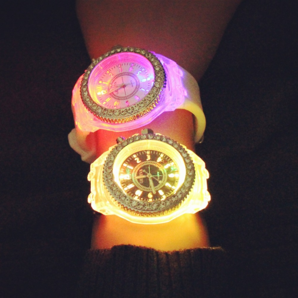 2018 Fashion Tide LED Light wristwatch Female Form Student Casual Sports Personality Jelly Luminous Watches child Clock Hours