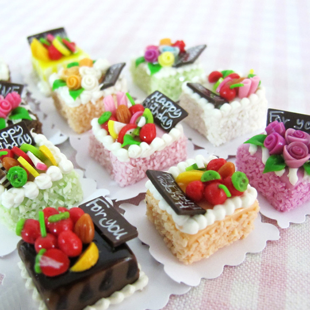 1pcs Cute Mini Cake 112 Miniature Dollhouse Food Doll House Play