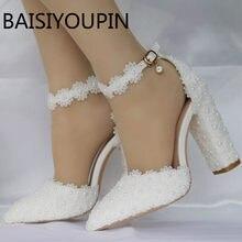 ec5c126e0 O laço branco das mulheres apontou sapatos de casamento do sexo feminino  flor de espessura sapatos de salto alto boca rasa sapat.