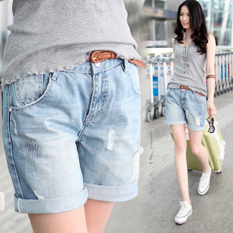 Retro 2016 summer new boyfriend Style loose denim Shorts worn Hole denim shorts bead Light Blue Loose Women Short Jeans Z1933