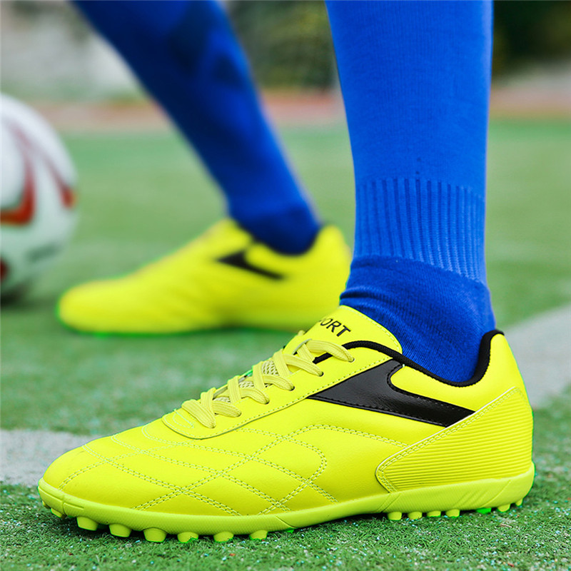 Football Boots Soccer shoe Broken Nail Soccer Shoes Student Short Nail Training Bottom Sneakers chuteira futebol #3L11(China)