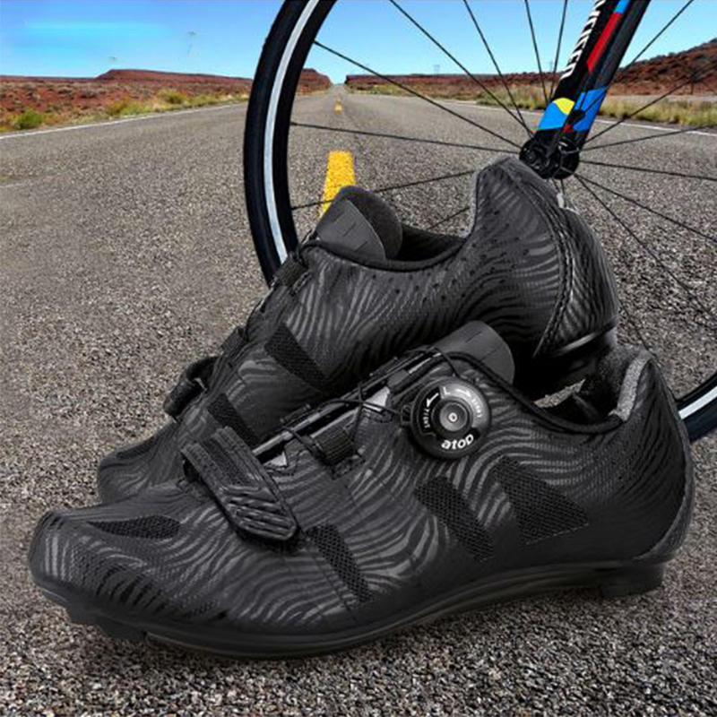 Santic Men Cycling Road Shoes Lace-up Nylon Sole Cycling Athletic Racing Team Bicycle Shoes Breathable Cycling Clothings MS17005