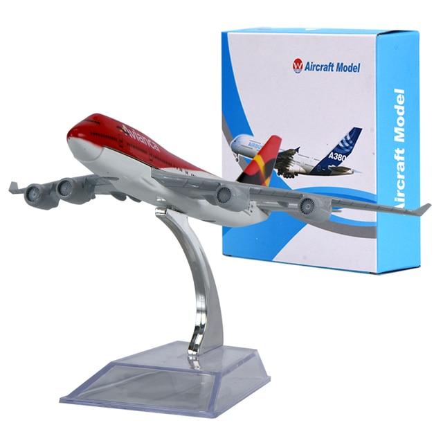 WR Avianca Boeing 747 Mini Airplanes Creative Birthday Gifts Plane Scale Model Ideas for Men Desktop Model Planes