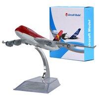 WR Avianca Boeing 747 Mini Avions Creative Cadeaux D'anniversaire Échelle Avion Modèle Idées pour Hommes De Bureau Modèle Avions