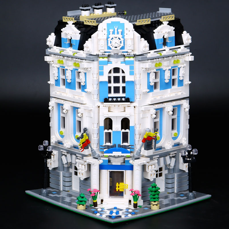 In Stock 3196 PCS LEPIN 15018 New MOC City Series The Sunshine Hotel Set Building Blocks Bricks Compatible With 10196 laete 15018