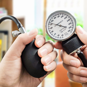 Image 2 - Yongrow ידני לחץ דם צג למדוד סטטוסקופ שימוש רופא סיסטולי דיאסטולי מד לחץ דם בריאות בית מכשיר קאף