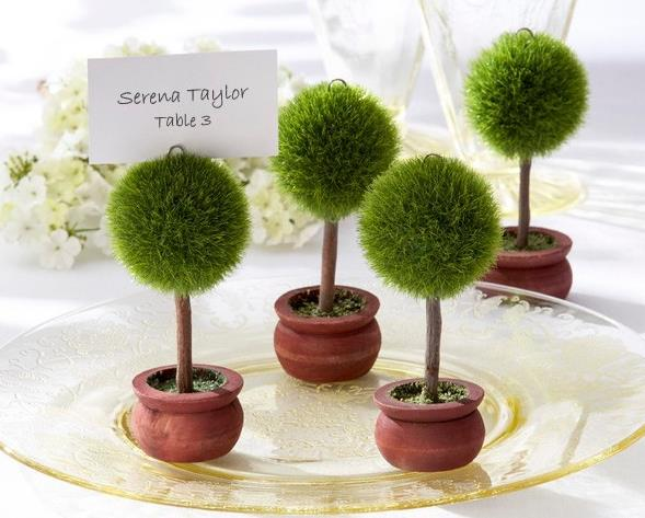 Heart Shaped Green Topiary Tree Photo Holder And Place Card Wedding Favour Table Decoration In Party Direction Signs From Home Garden On