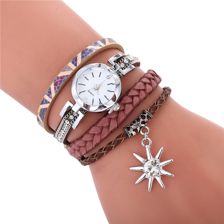 Moda kolorowe projekt hurtownie kobiety panie diamentowa skórzana bransoletka zegarki wypoczynek na co dzień panie sukienka liść wisiorek na rękę w w Zegarki damskie od Zegarki na  Grupa 2