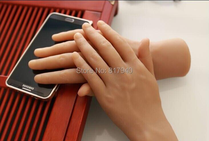 Nouvelle arrivée! une paire réaliste silicone mâle mannequin Mannequin mains ring & bijoux affichage, modèle Nail Art Main