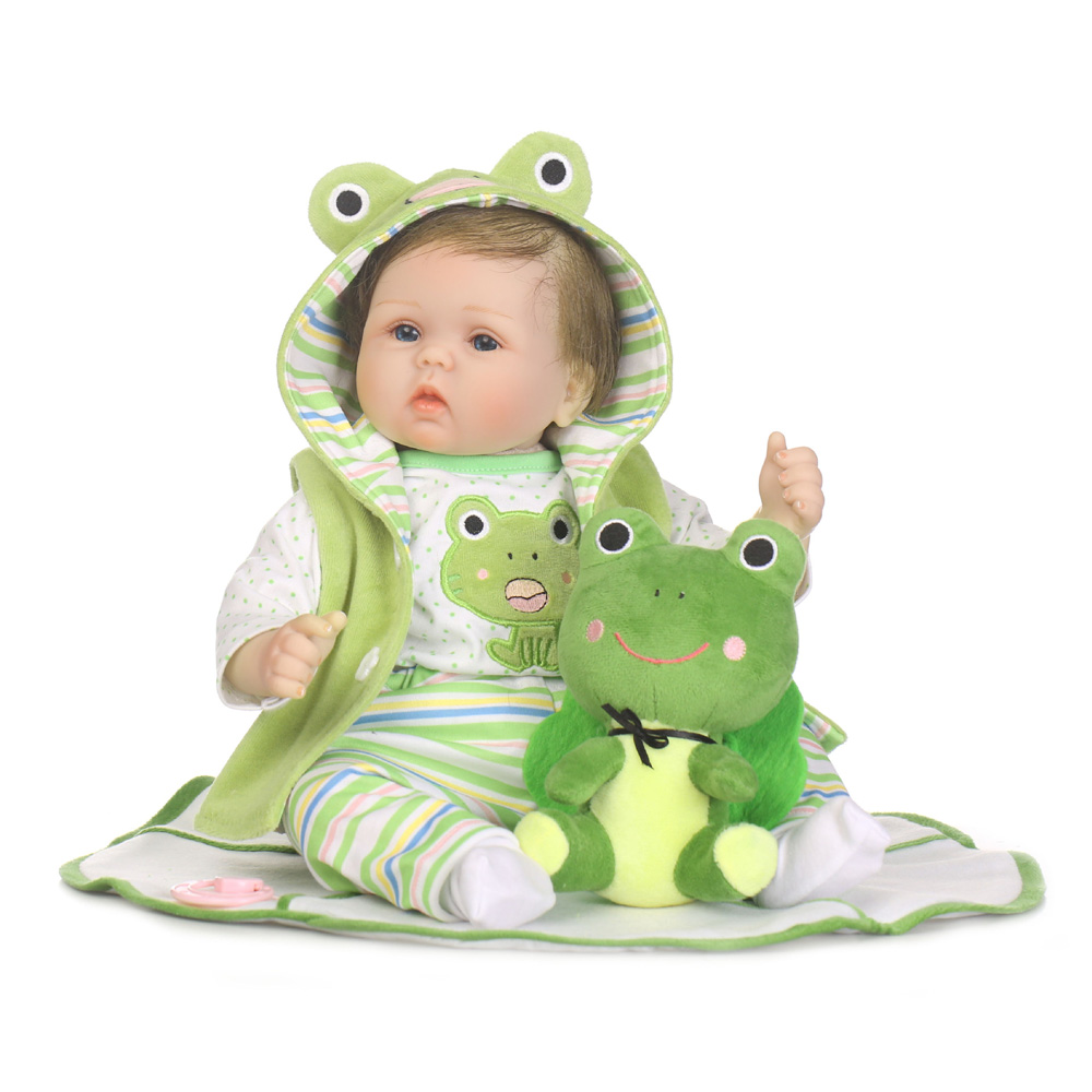 55cm Fashion Boneca Reborn Baby Doll Soft Cloth Body Alive Babies Dolls with Frog Plush Toys for Children Girl Birthday Gift adorable soft cloth body silicone reborn toddler princess girl baby alive doll toys with strap denim skirts pink headband dolls