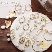 2019 Trendy Korea Design Metal Gold Geometric Irregular Circle Square Natural Freshwater Pearl Stud Earrings for Women Girl Gift