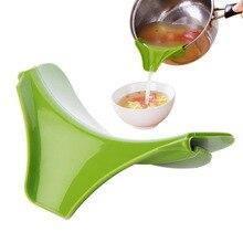 2 Unid Silicone Pour sopa cocina Gadget Deflector de agua herramienta de cocina
