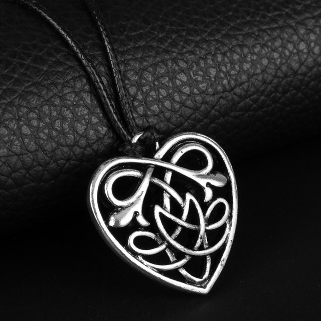 Online shop heyu celtic jewelry celtic heart knot pendant celtic heyu celtic jewelry celtic heart knot pendant celtic knot triquetra goddess pewter pendant necklace couple lovers jewelry aloadofball