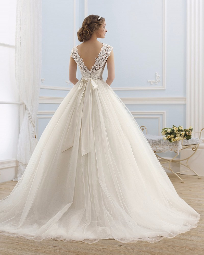 Charming-Lace-Tulle-A-Line-Wedding-Dress-2015-Sexy-Backless-Cap-Sleeve-Beaded-Sashes-Bow-Court (1)