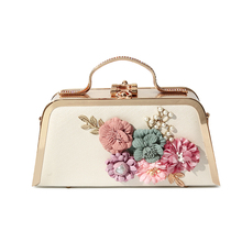 lady banquet handbag 2019 new elegant flower female pearl bag chain luxury hand clutch bride dress messenger evening