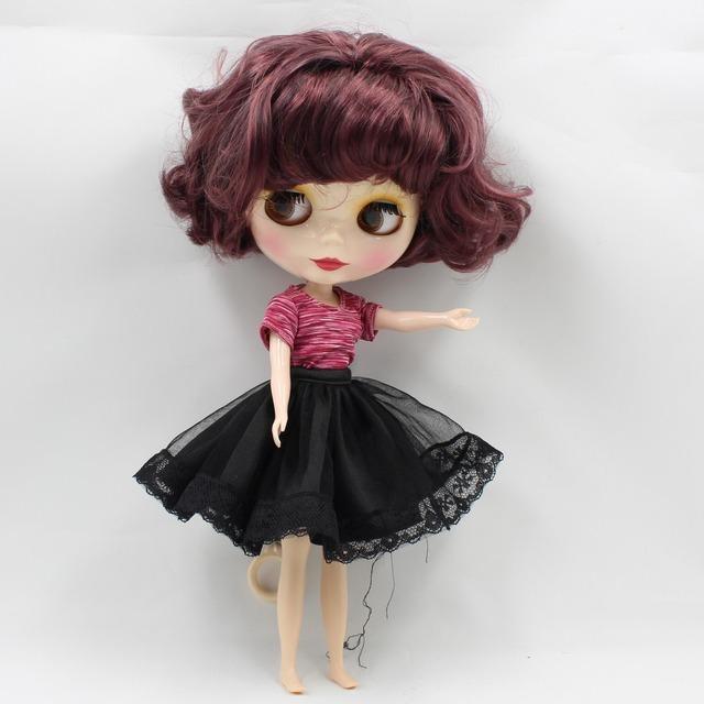 TBL Neo Blythe lutka kratka ljubičasta crna valovita kosa redovito tijelo