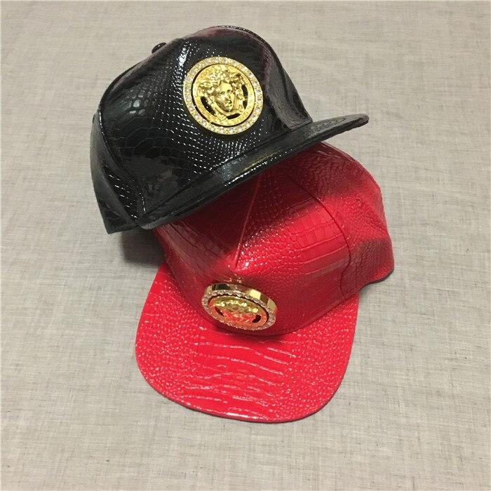 Prix pour Hommes Casual Marque Méduse Design En Métal Logo Noir PU En Cuir Snapback Casquette de baseball