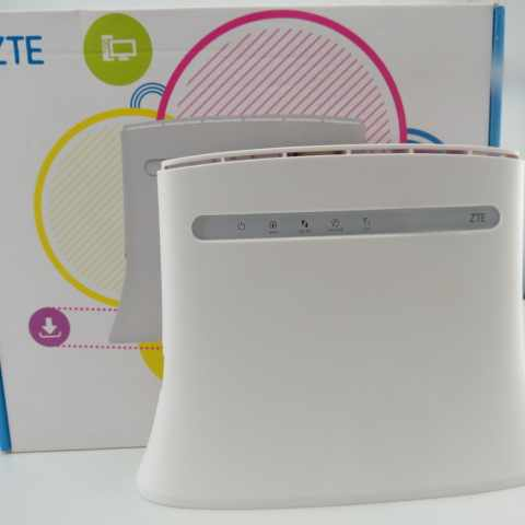 Router 4G WiFi ZTE MF283+ with SMA Plug Aerial Amplifier