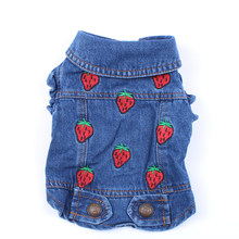 Cane di animale domestico Del Gatto Dei Jeans Giacca Strawberrys Blu Denim Cappotto Della Maglia Pet Puppy Abbigliamento Abbigliamento 6 dimensioni(China)