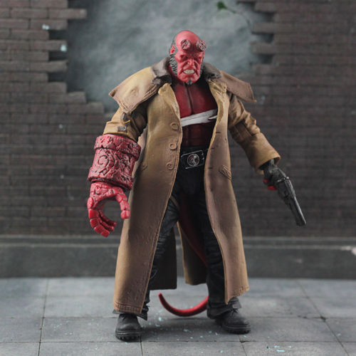 Hellboy Mezco SERIES 2 HB Action Figure WOUNDED Ver. 7 Anime Figure Collectible Model Toy mezco hellboy doll with weapons pvc action figure collectible model toy 8 20cm kt3643