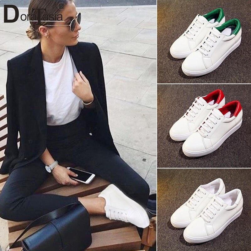 54f9136616d DORATASIA 2019 primavera otoño casual mujer Zapatillas blancas señoras talla  grande 30-44 zapatos de plataforma plana con cordones mujer aumento de  altura ...