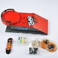 Mini 96mm Madre de Vuelta Skatepark Rojo Finger Skate Boarding Fundición A Presión De Plástico Para Niños Juguetes Regalos de Cumpleaños/colecciones En Stock T