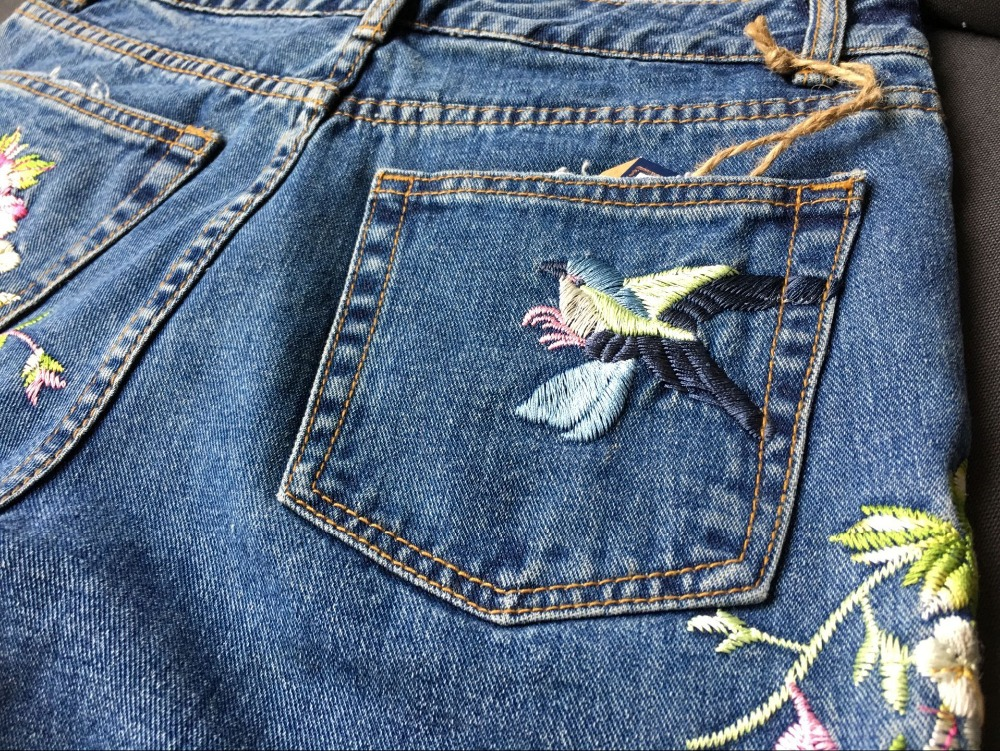 2017 Europe and the United States women's three-dimensional 3D heavy craft bird flowers before and after embroidery high waist Slim straight jeans large code system 46 yards (35)