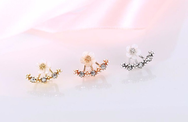 Promotion hot sell fashion flower design 30 silver plated ladies stud earrings jewelry gift anti allergic drop shipping in Stud Earrings from Jewelry Accessories