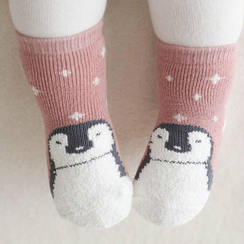 Fashionorape dimërore për fëmijë të vegjël të porsalindur Moda New 2016 çorape për fëmijë vizatime për fëmijë çorape për fëmijë çorape të trasha pambuku terry 0-24M