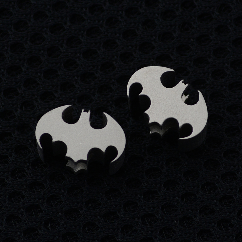 Good <font><b>Bat</b></font> <font><b>Knife</b></font> Beads Titanium Alloy <font><b>Knife</b></font> Lanyard Beads Pendant Mobile Phone Pendant Titanium Alloy Hotsale <font><b>Knife</b></font> Beads image